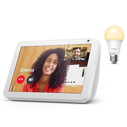 Echo Show 8, Sandstein Stoff + TP-Link Tapo smart Lampe (E27), Funktionert mit Alexa